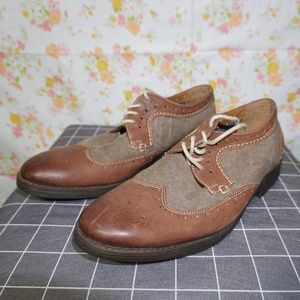 Like new Clarks Collection wingtip oxford size 8.5